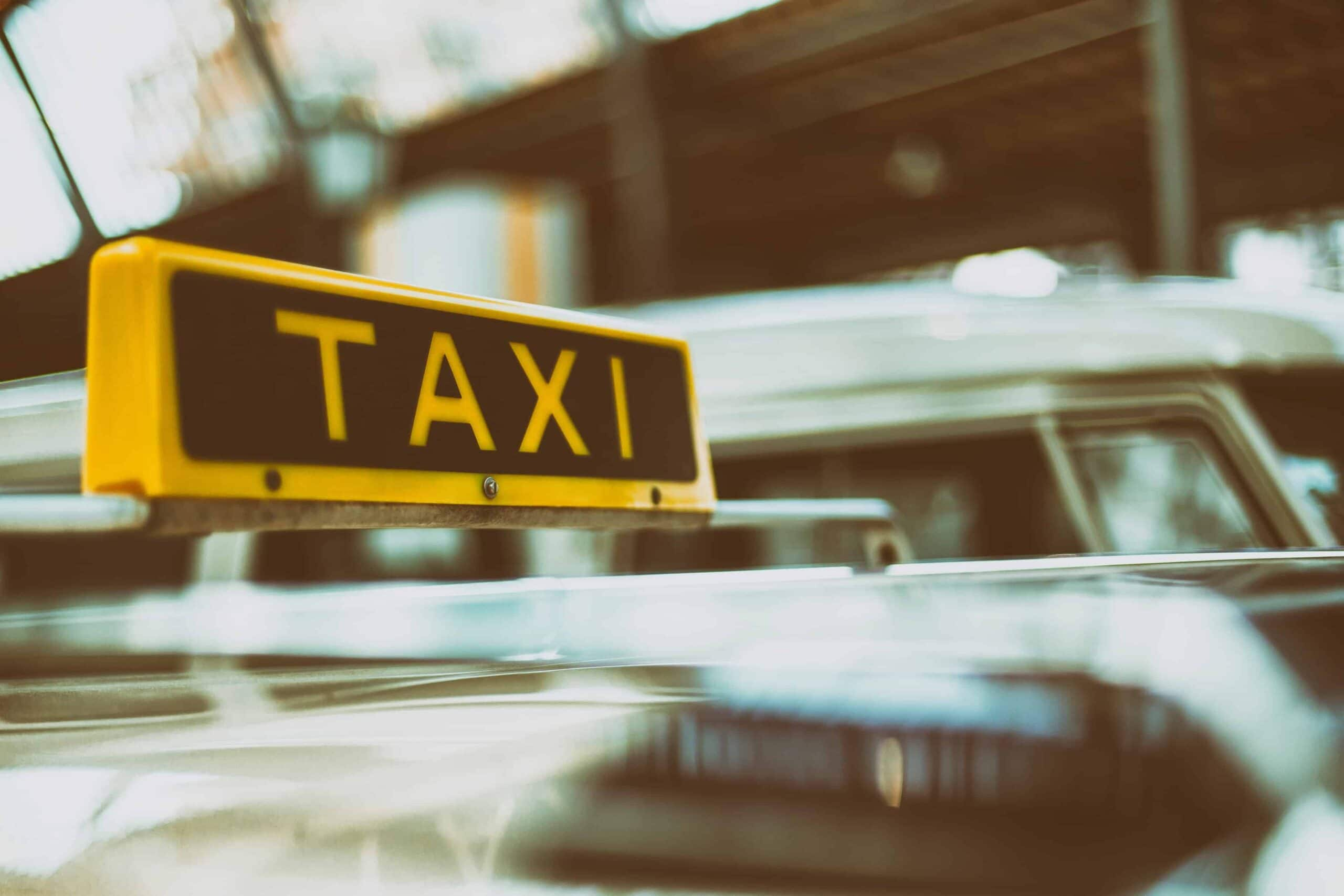 5 Alasan Naik Taksi Uber Jakarta Menguntungkan