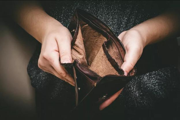 Memahami dan Mengidentifikasi Financial Abuse pada Pasangan