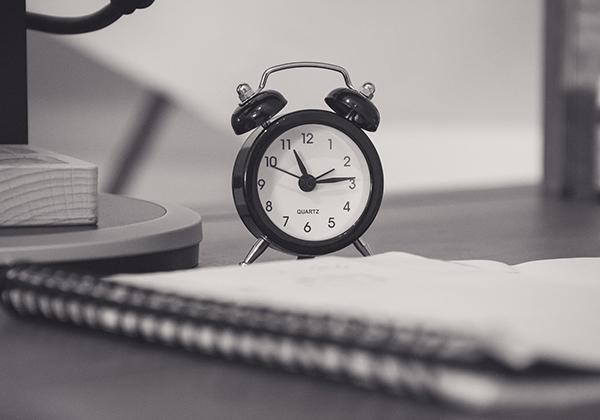 Bisa mengatur jam kerja secara online.